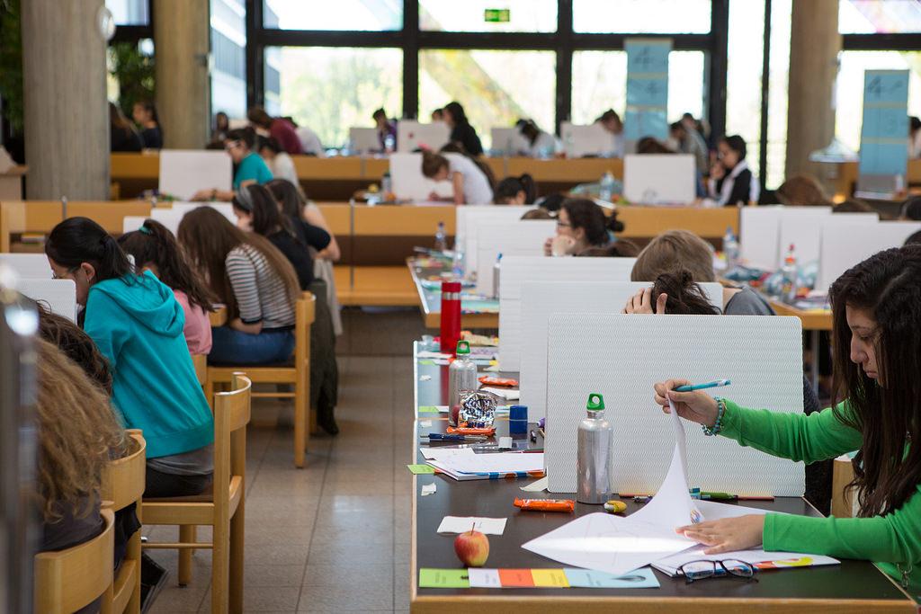 ilustrační foto by European Girls' Mathematical Olympiad EGMO 2017 (flickr.com)