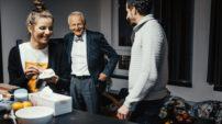 Prof. Jan Pirk s režisérem Stanislavem Adámkem.