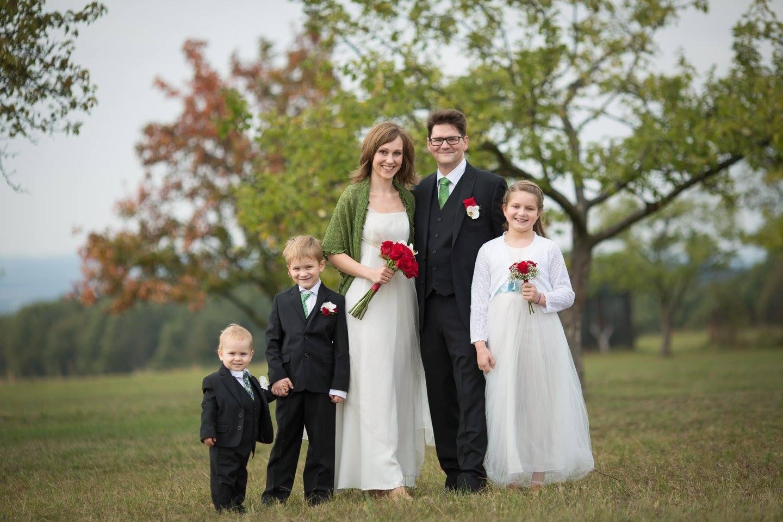 Svatbu rodičů si užily všechny tři děti