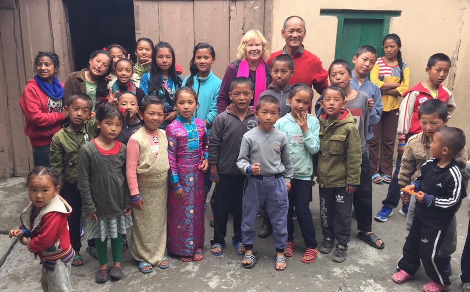 S dětmi, kvůli kterým se vrátil... Archív Gešeho Sonama