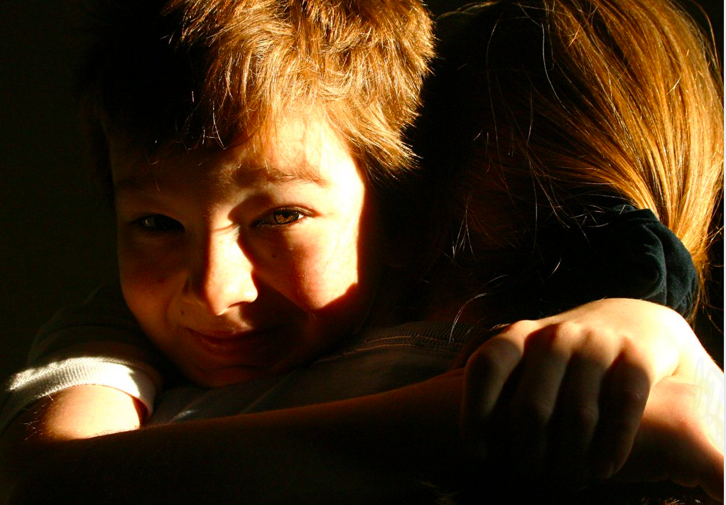 """""""The morning hug"""" od Jasona je licensován pod CC BY-NC-ND 2.0"""