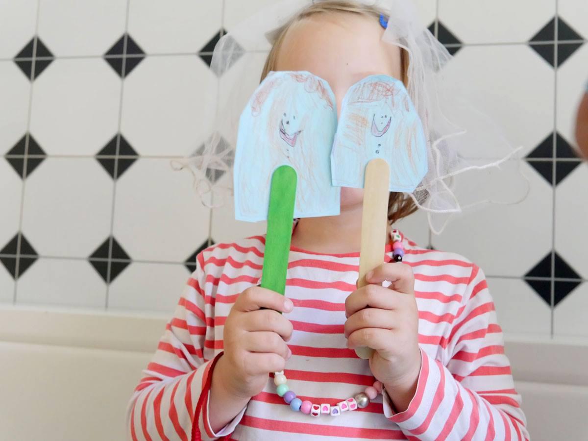 Stačilo pár týdnů a teď už si děti všímají i emocí cizích lidí třeba v obchodě, říká výtvarnice Toybox.