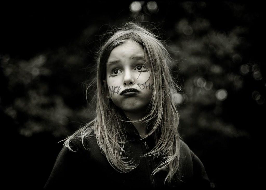 Vysoce citlivé děti jsou skvělými pozorovateli světa, ale snadno se vjemy přehltí.