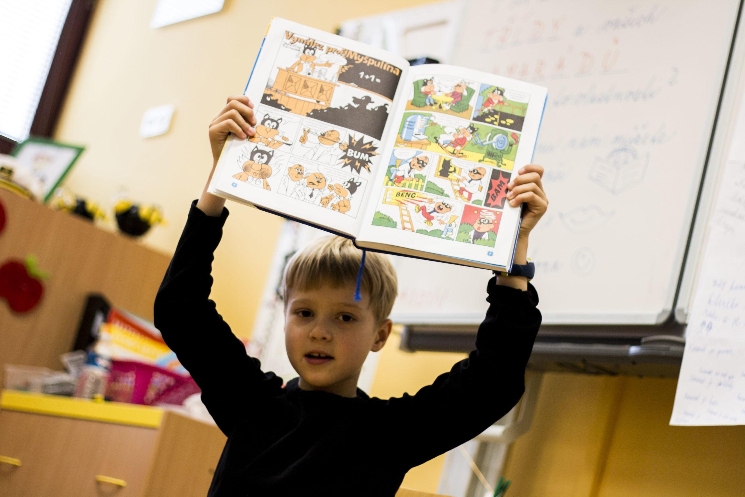 Rodiče se často domnívají, že výběr školy, potažmo povolání, je jednorázová záležitost. Podle autorek ovšem rodič může podpořit dítě ze všech úhlů, naučit ho, aby získávalo informace o sobě i o světě a uvědomovalo si sebe průběžně už od útlého věku.