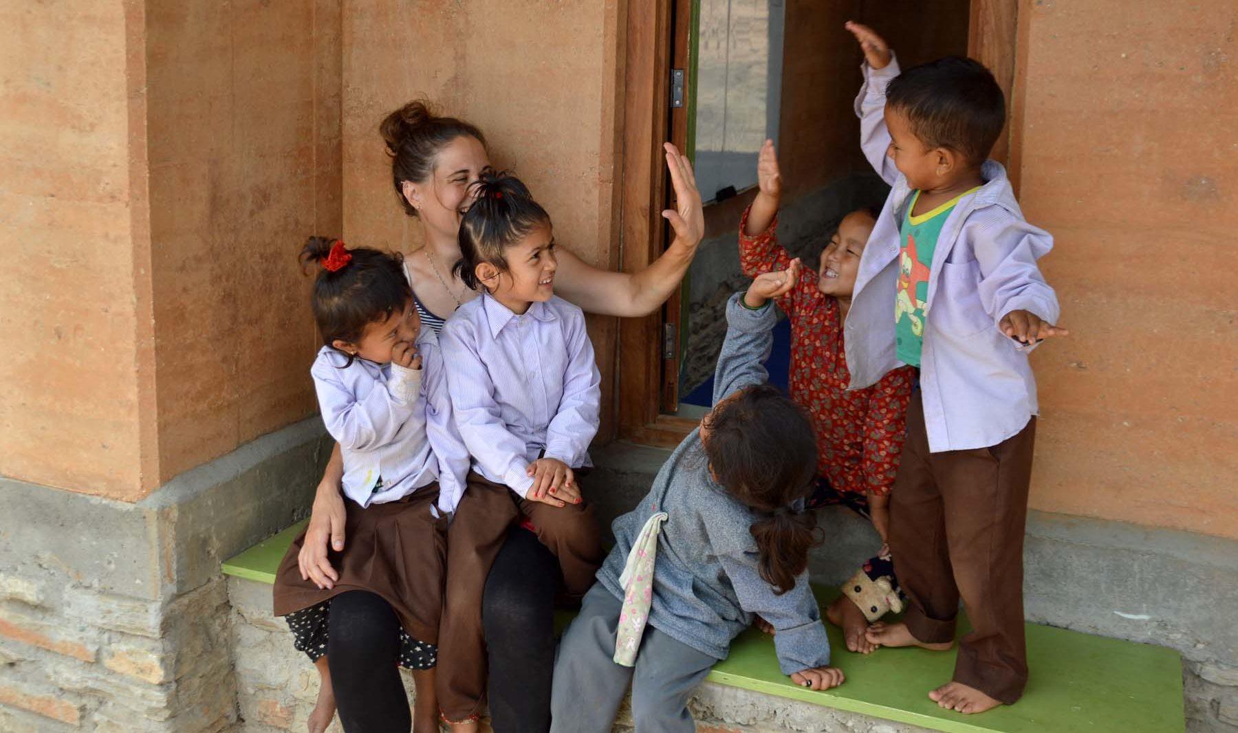 Architektka Jana Šerá stavěla školu v Nepálu jako dobrovolnice.