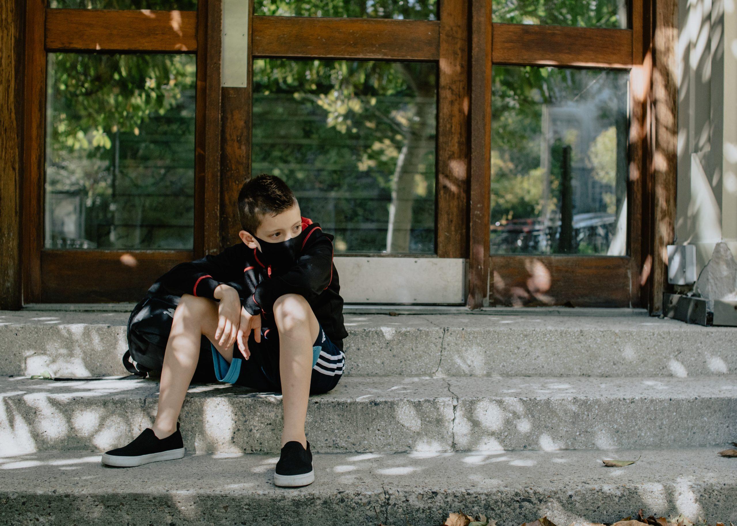 """""""Někteří žáci už ztratili motivaci a pracovní návyky. Už jen sedět v 8 ráno v lavici a naplno fungovat, pro ně bude těžké,"""" říká olomoucký ředitel Jiří Vymětal. FOTO: Unsplash"""