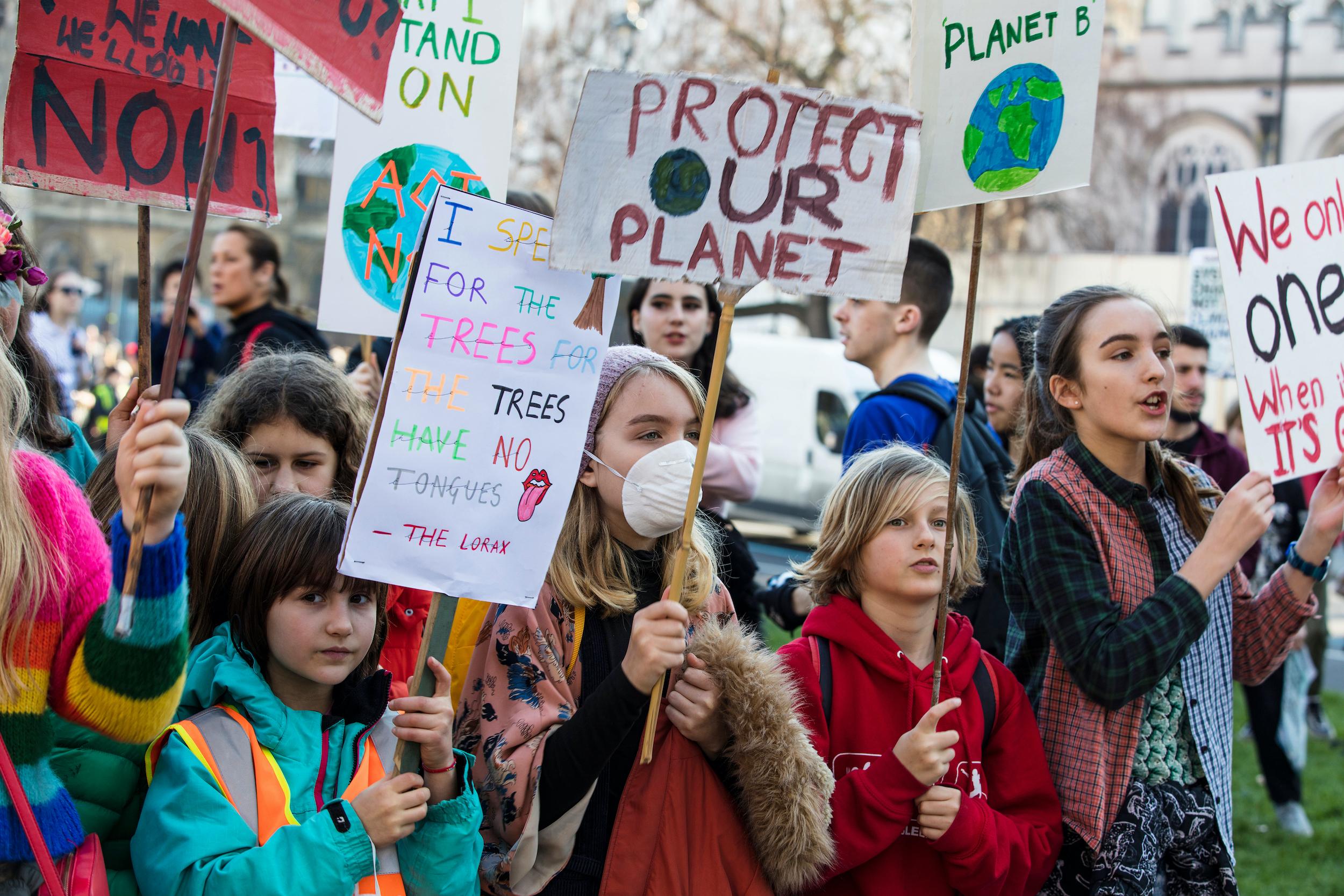 AFO letos promítne snímek Citizen Nobel o Jacquesovi Dubochetovi, jde o portrét držitele Nobelovy ceny za chemii, který svůj hlas využívá v kampani proti klimatické krizi.