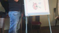 Lektor Michal Dubec přijel učitele seznámit s tím, jak komunikovat s žáky tak, aby se u nich rozvíjela samostatnost a odpovědnost.