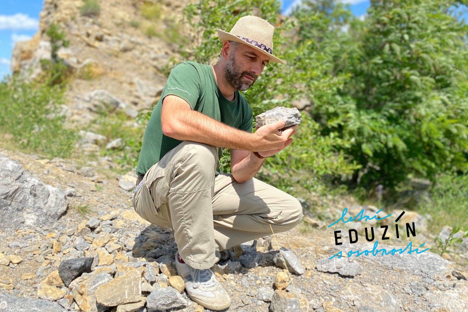 Vezměte si nějaké kvalitní kladívko od dědy z dílny, pár novin na zabalení zkamenělin, pevné boty a hurá na cestu do pravěku!