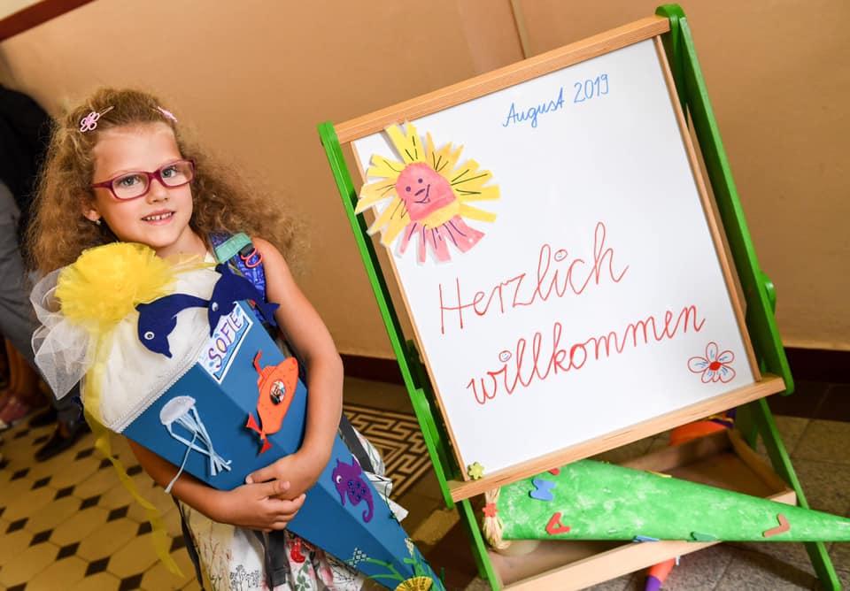 Nástup dítěte do první třídy se bere v Německu velmi vážně a oslavy s tím spojené jsou srovnatelné se svatbou.